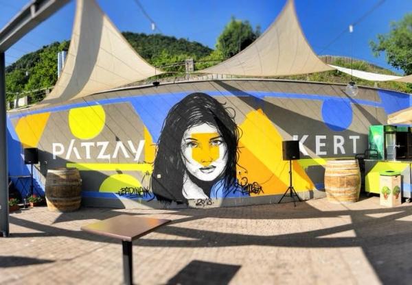A badacsonyi lazulás Mekkája: Pátzay kert