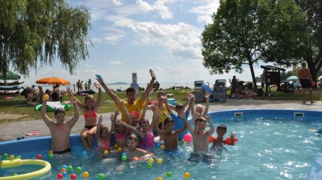 Változatos családi programokkal várnak a Balatontourist kempingjeiben!