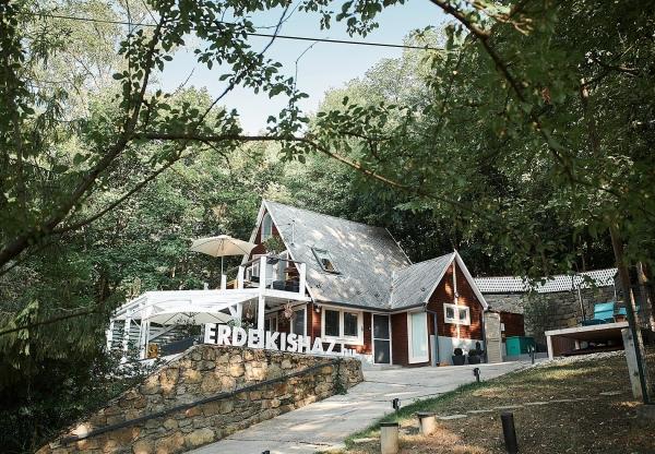 A legelbűvölőbb búvóhely a természet közepén:Erdei Kisház Noszvaj