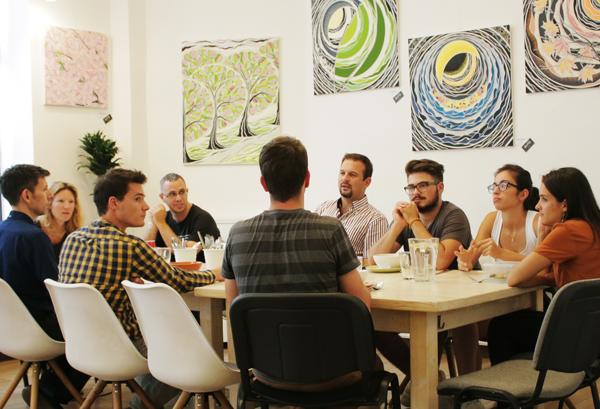 A KAPTÁR segítségével bevezetünk a közösségi iroda varázsába