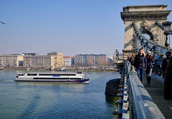 Városnézés a Dunán, az Idegenvezetők napja alkalmából