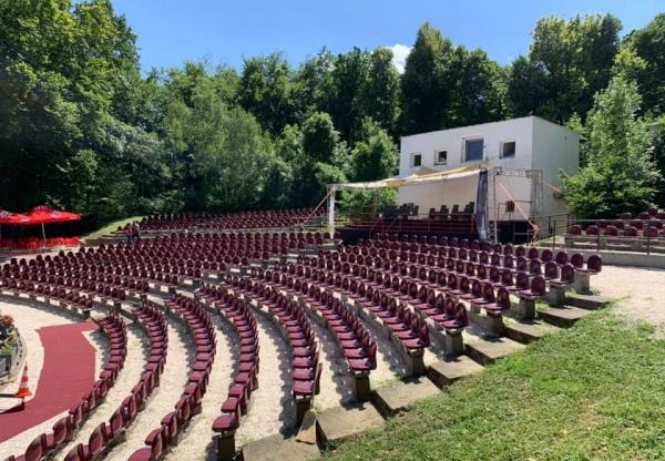 Foglalásos rendszerre váltott a Budai Szabadtéri Színház