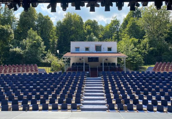 Hivatalosan is megnyitotta a nyarat a Budai Szabadtéri Színház