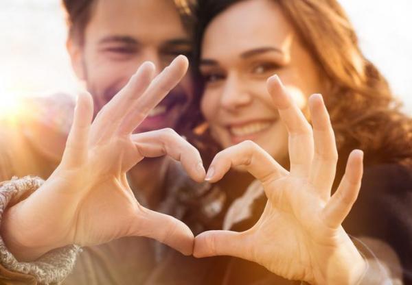 Szerelmesek kémiája – miről tehetnek a hormonok