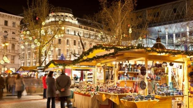 Idén újra lesz Budapesti Adventi- és Karácsonyi Vásár a Vörösmarty téren