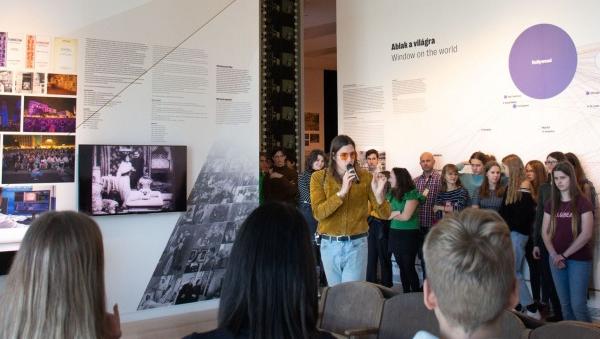 Rockzenészek és slammerek a Ludwig Múzeumban